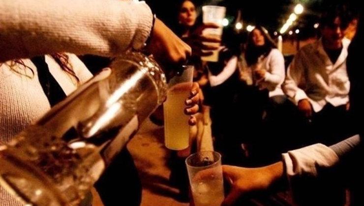 Denunciadas 11 personas por incumplir el toque de queda y 98 por beber en la calle durante el fin de semana en Santander
