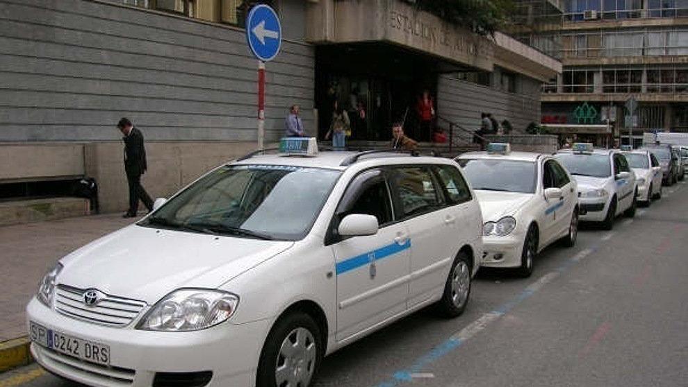 Comienza la tramitación para regular las ayudas a la renovación de los taxis de Santander