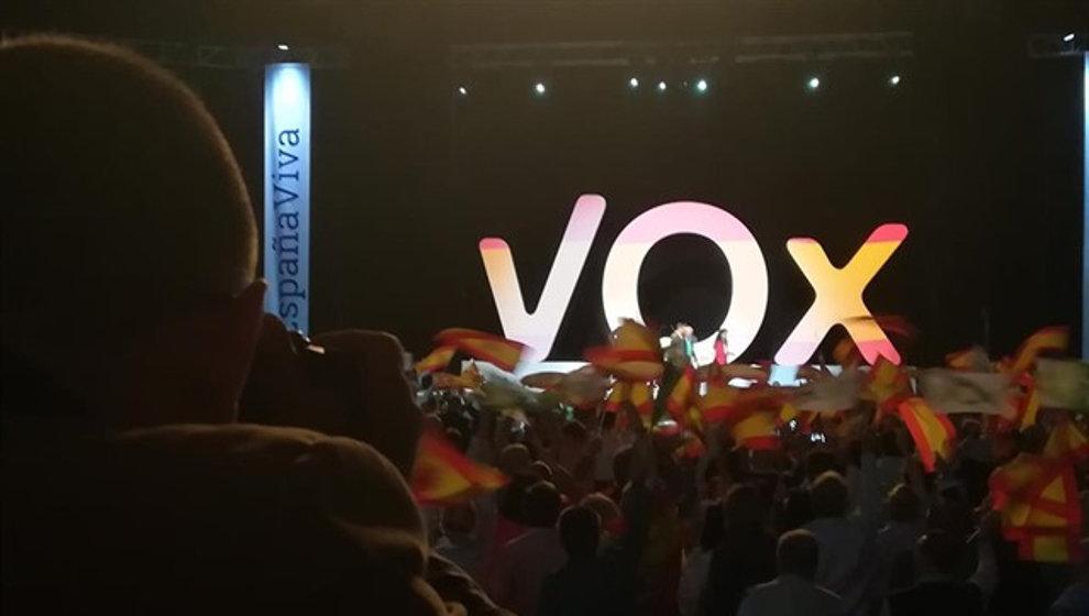 El partido ultraderechista Vox pierde los portavoces de tres localidades sevillanas y un concejal de Espartinas