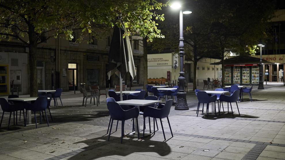 """Santander vive una """"noche tranquila"""" tras decaer el Estado de Alarma con algunos botellones pero sin incidentes graves"""
