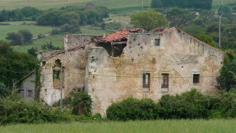El Palacio de La Chamberga de Santillana del Mar entra en la 'Lista Roja del Patrimonio'