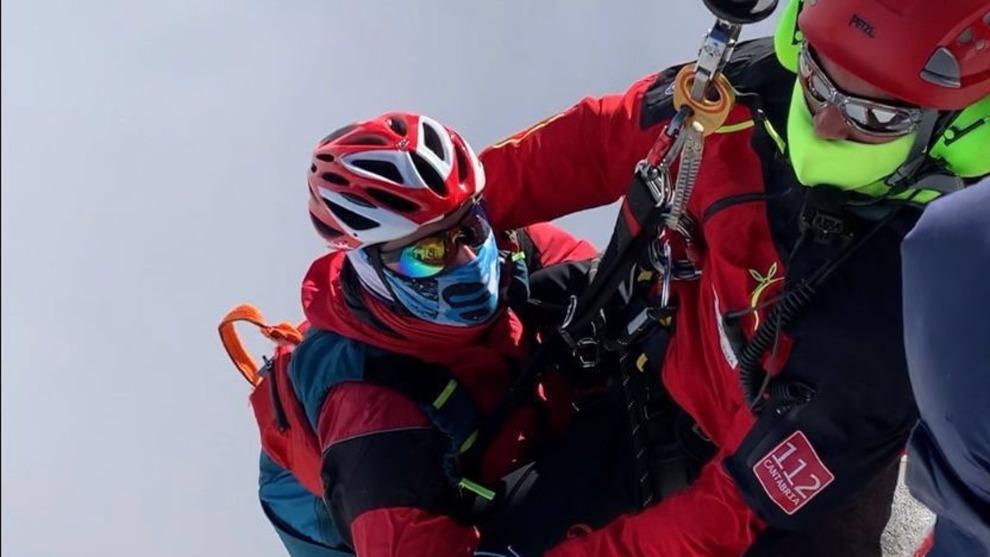 Rescatado un esquiador de 26 años en el canal de San Carlos, en Camaleño