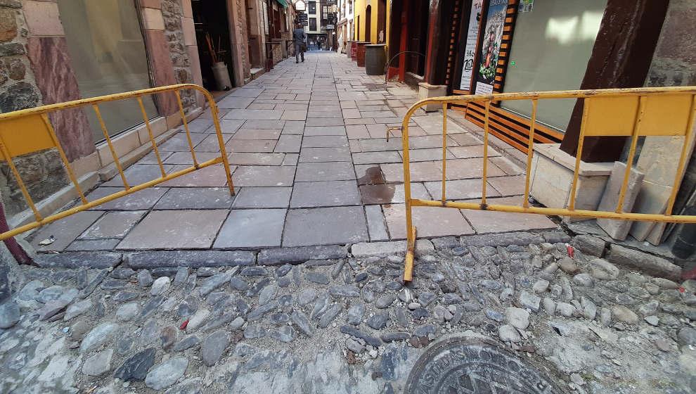 """El Gobierno """"exigirá"""" a Potes que las obras de la calle Cántabra cumplan la normativa"""