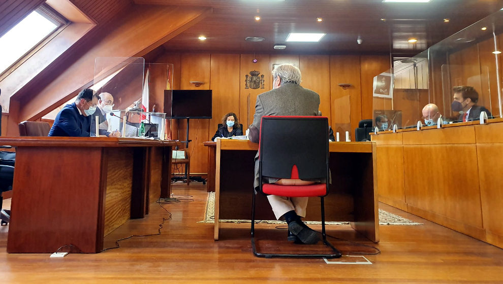 El exsecretario municipal de Noja, durante el juicio al exalcalde por presunta prevaricación | Foto: edc