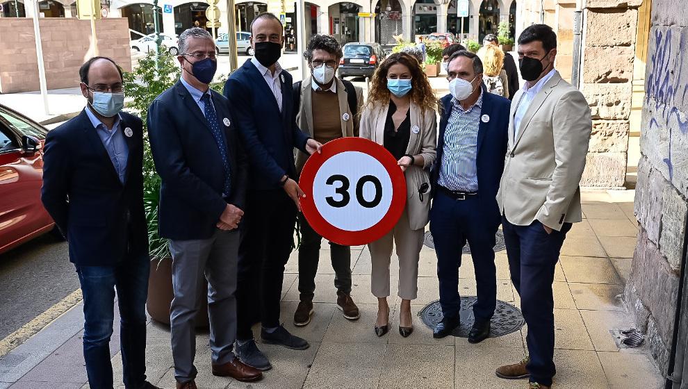 """Torrelavega estrena la nueva limitación de velocidad en ciudades """"con los deberes hechos"""""""