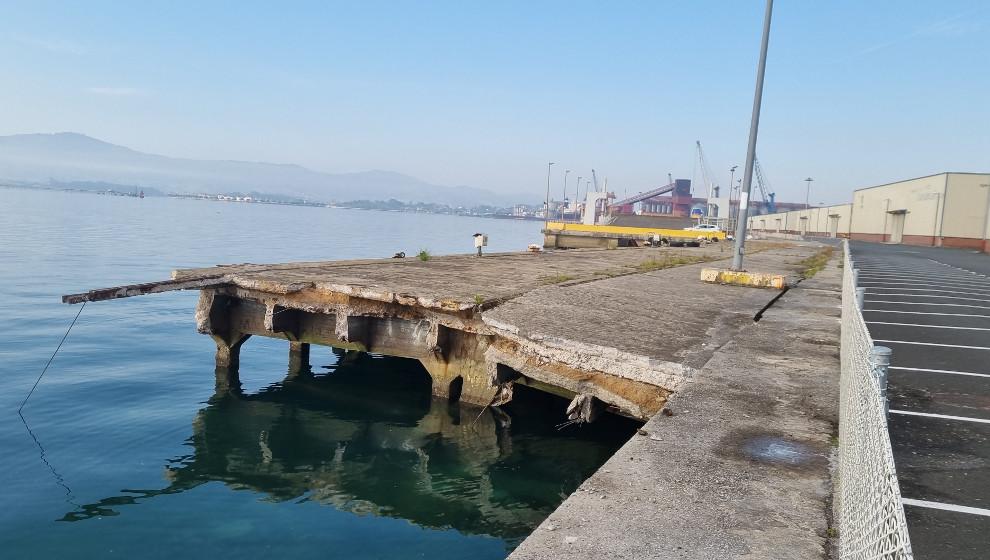 Se desploma parte de los tramos 5-6 de los Muelles de Maliaño
