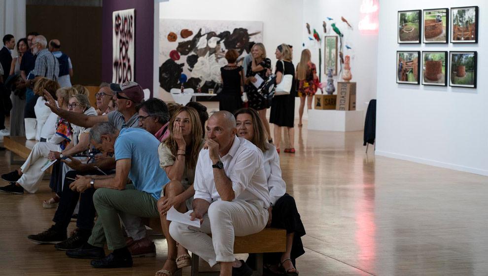 42 galerías, cuatro de ellas extranjeras, participan desde en la feria Artesantander
