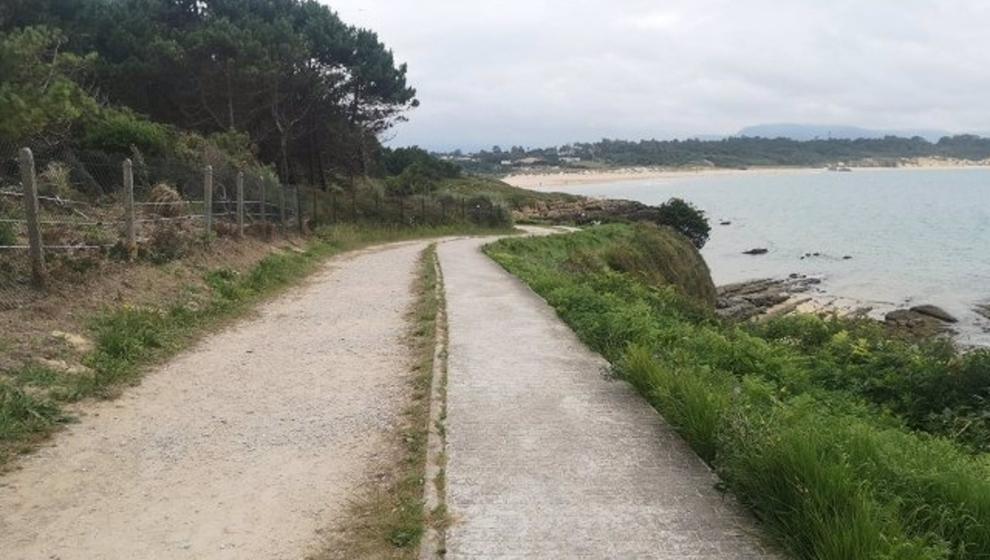 Ribamontán acuerda iniciar los trámites para mejorar el acceso a la playa de Los Tranquilos