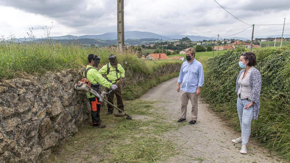 El Ayuntamiento contrata a una empresa para la limpieza de caminos por casi 50.000 euros