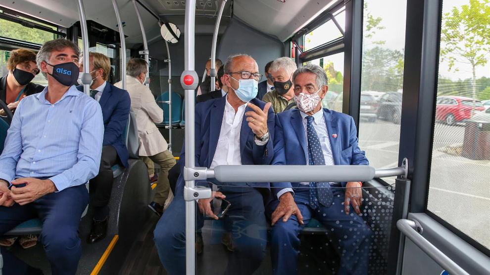 Cabárceno incorpora un 'ecobus' gratuito para visitar el parque sin mover el coche