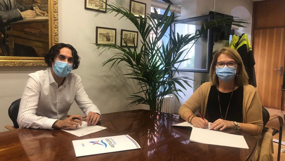 El Ayuntamiento y Amica firman un convenio para ayudar a personas con discapacidad
