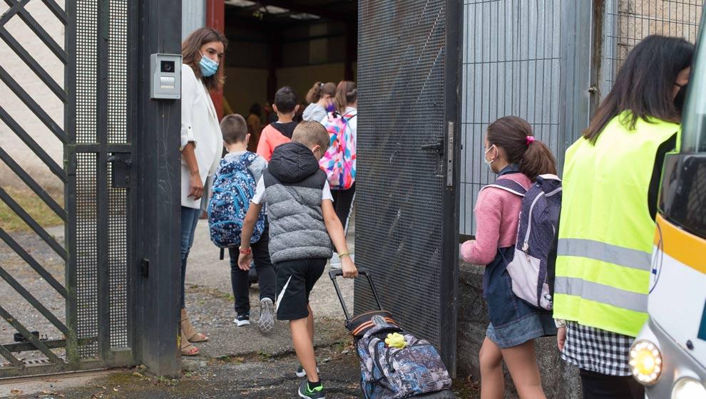 Cantabria cierra tres nuevas aulas y suben a 14 las confinadas