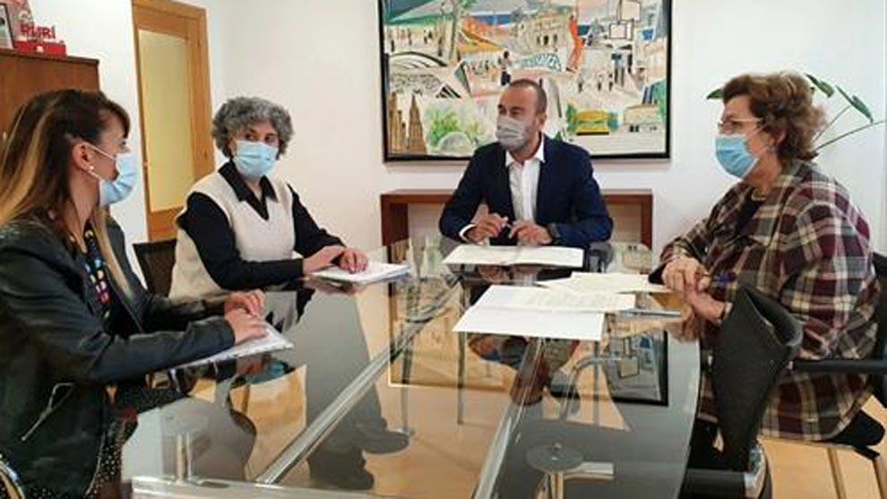 Torrelavega destina 38.000 euros para apoyar proyectos de Cruz Roja