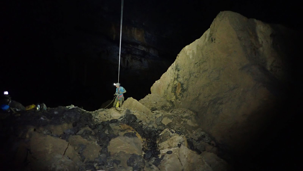 Descubierta la segunda mayor sala subterránea de la Península en Cantabria