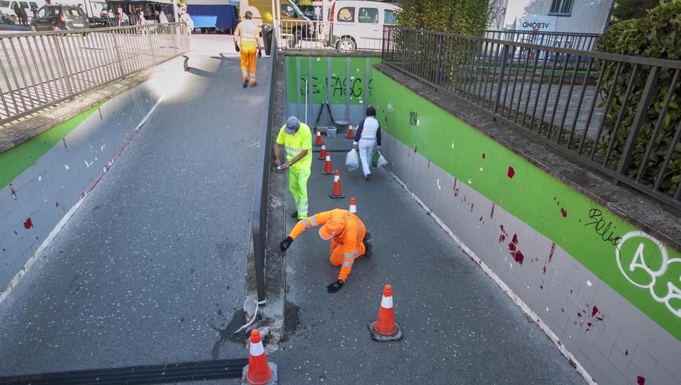 Obras en el paso subterráneo que conecta el Parque de Cros con la calle Alday